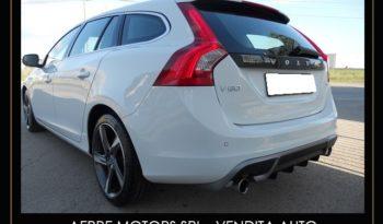 Volvo V60 D5 R-design 2.4 D 215CV pieno